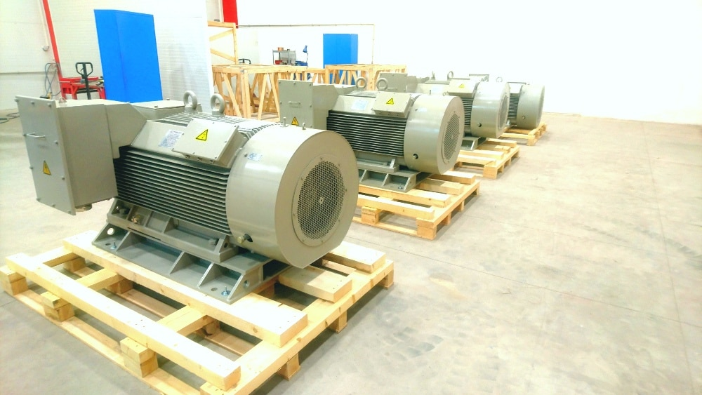 stredno a vysokonapěťové motory